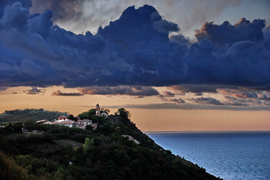 I 4 paesi affacciati sul mare delle Marche tutti da visitare | Marche travelling
